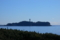 波が穏やかで、江の島展望灯台が海面に少しうつってみえる