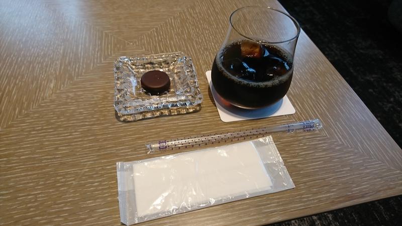 アイスコーヒーと、ブルガリ イル・チョコラート