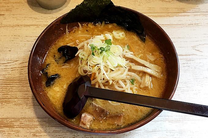 麺処 白樺山荘 行ってきました!マイルドな白味噌が人気の札幌の有名ラーメン店