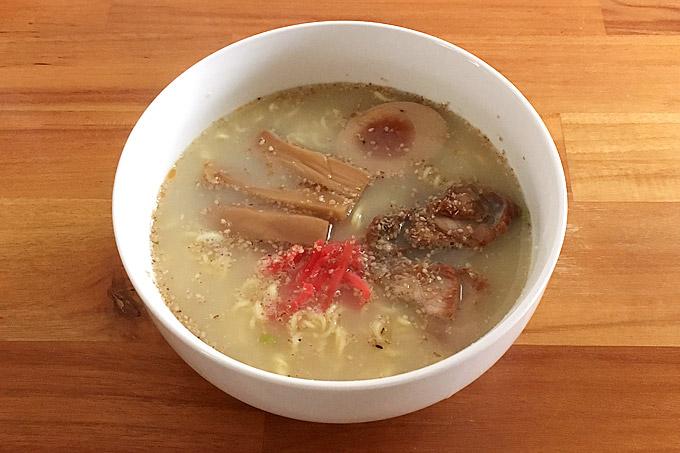 サッポロ一番 塩とんこつらーめん 食べてみました!豚骨の旨味を利かせたあっさりとした塩豚骨ラーメン!
