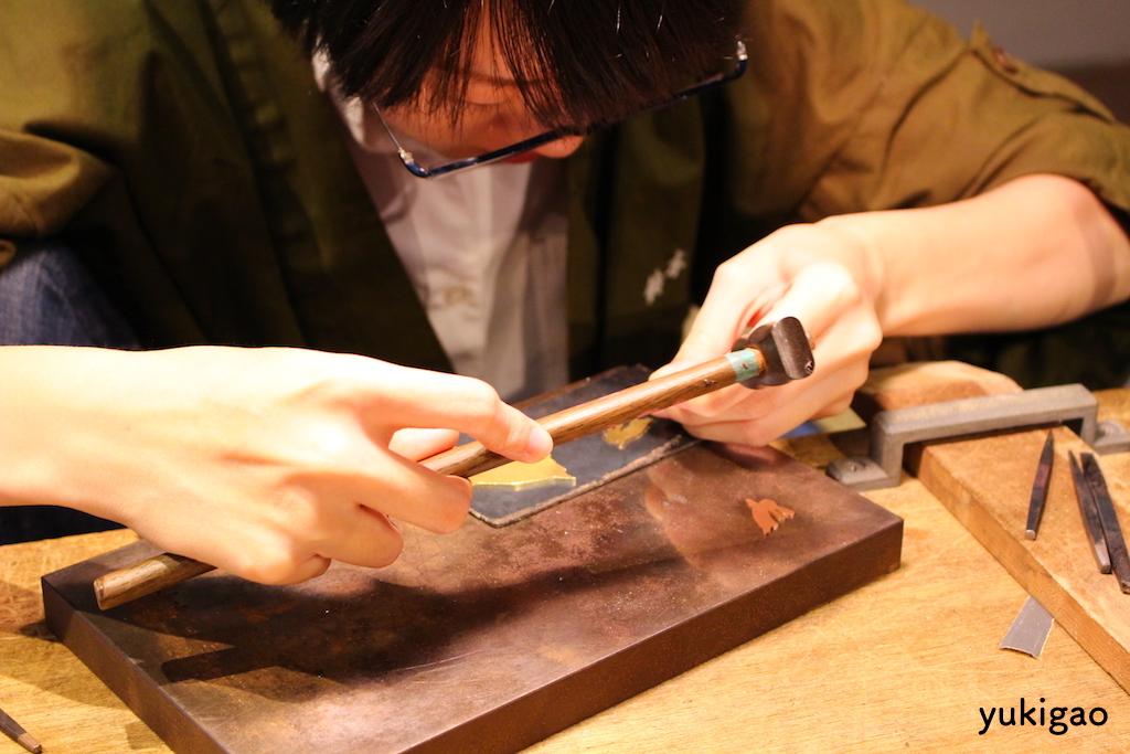 京都伝統工芸館での制作風景