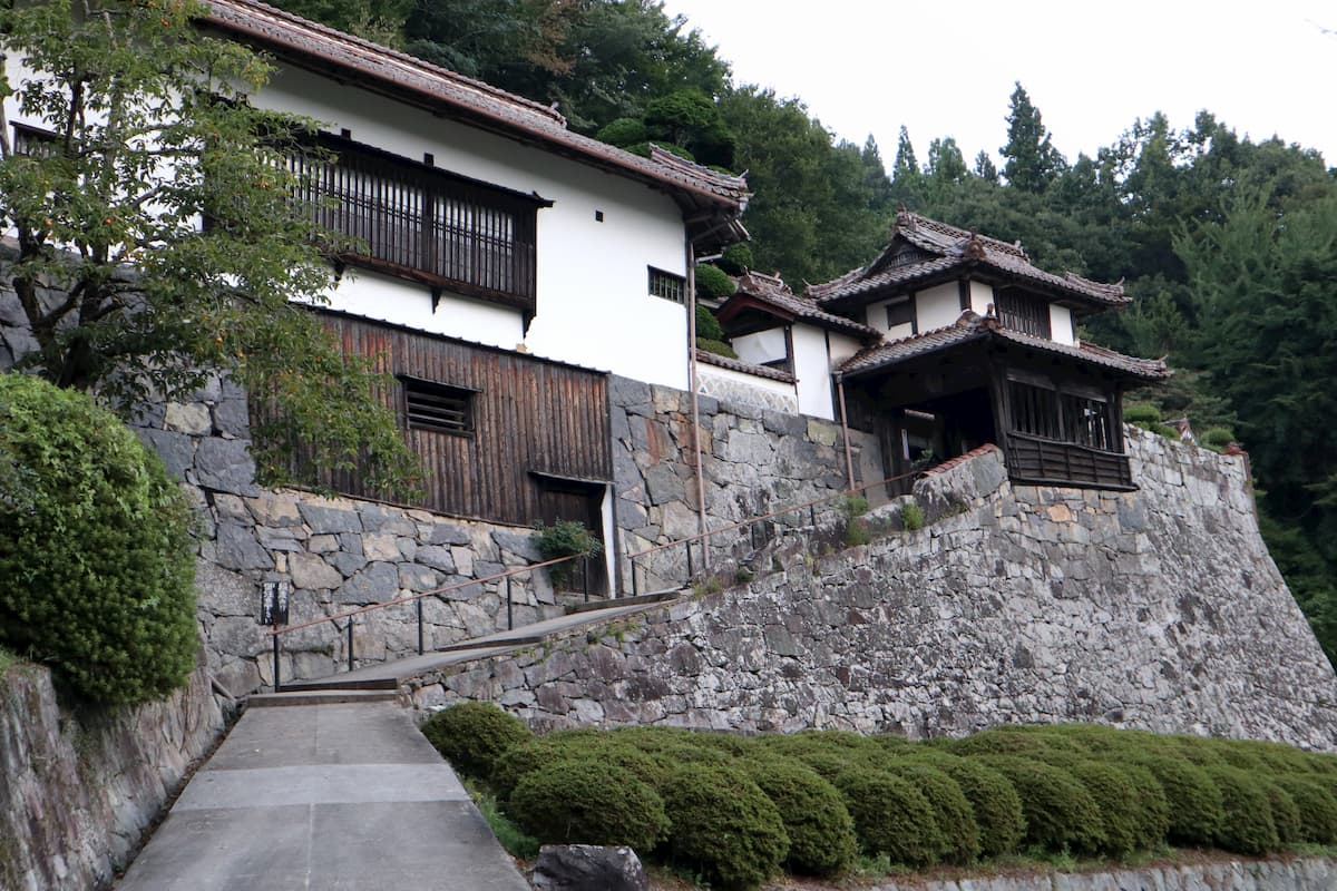hirokane-residence-entrance
