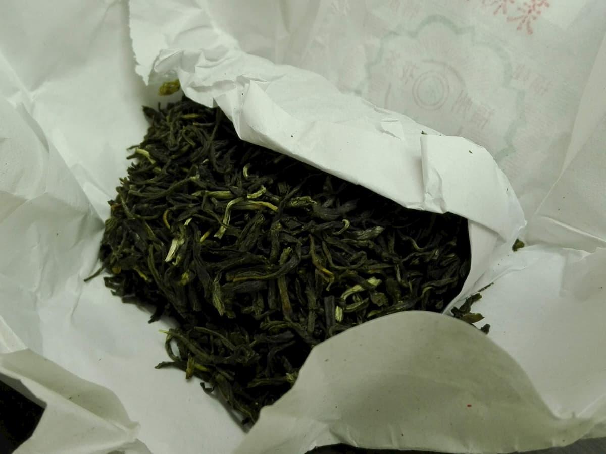 jasmine-tea-leaves