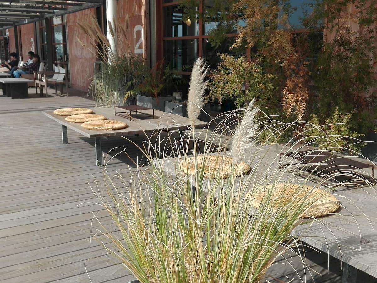 onomichi-u2-benches