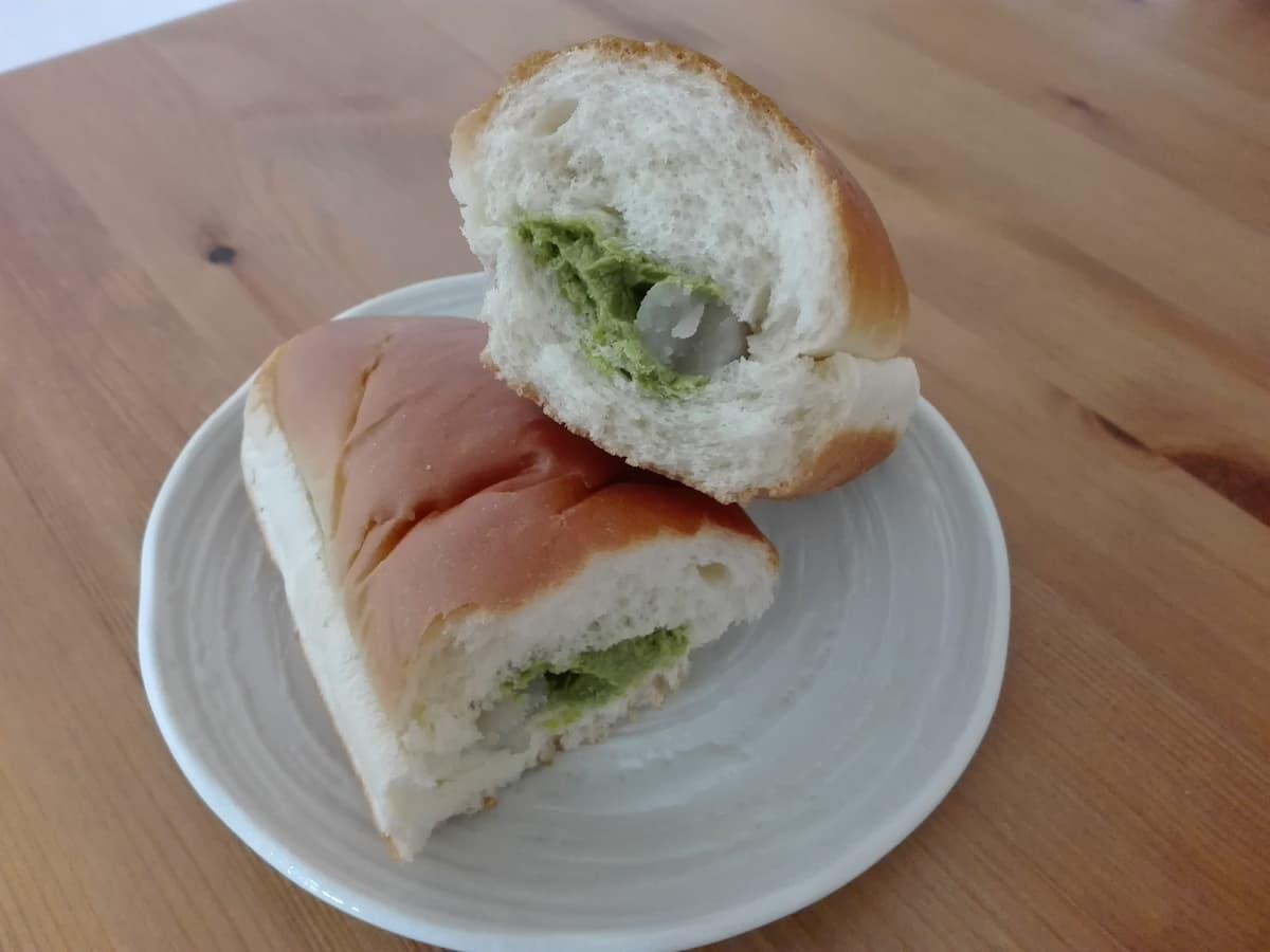 matcha-cream-bread