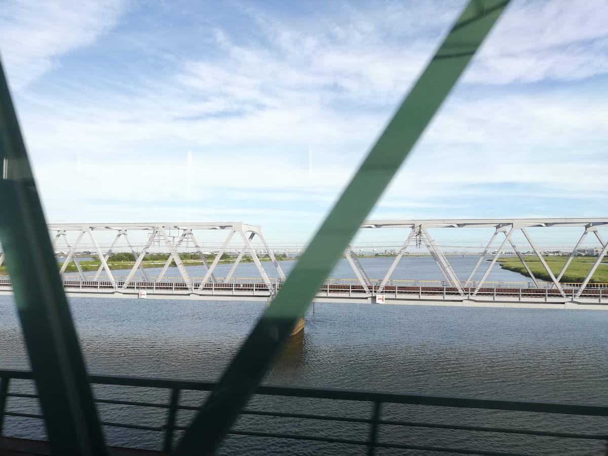 車窓から見る木曽三川