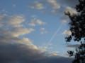 [フランス]パリ上空の飛行機雲
