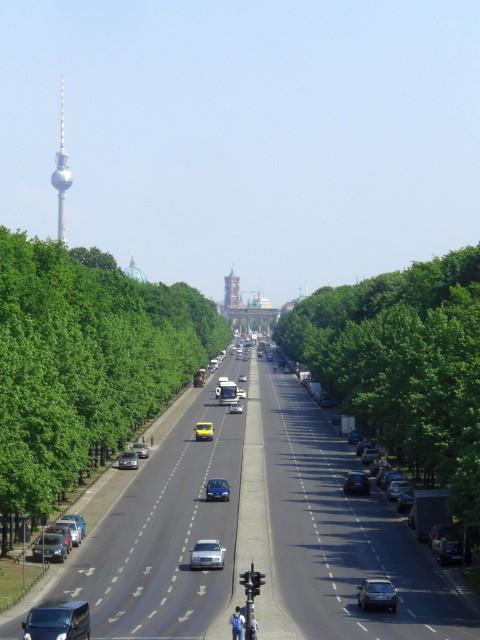 ブランデンブルク門とテレビ塔
