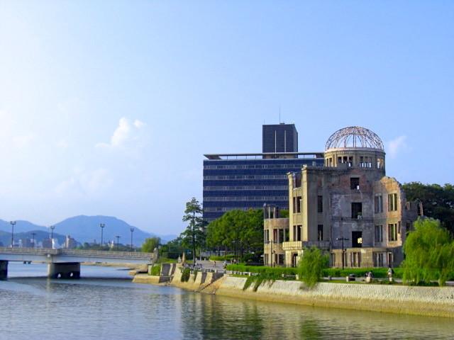 相生橋と原爆ドーム