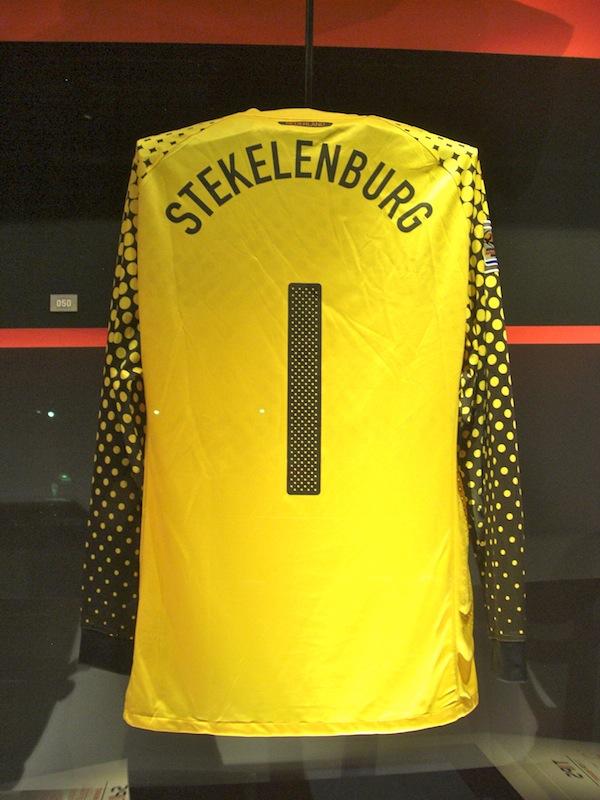 2010年のワールドカップでステケレンブルフが着ていたキーパーシャツ