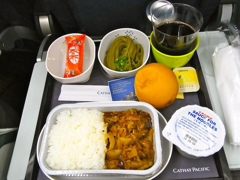 キャセイ・パシフィック成田発香港行きの機内食