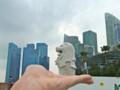 [シンガポール][風景写真]手乗りマーライオン