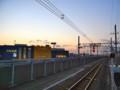 [風景写真]JR京葉線・南船橋駅付近の線路とIKEA船橋