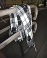 [落とし物]黒白の市松模様のマフラー