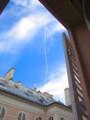 [フランス][風景写真]アパルトマンから見つけた飛行機雲