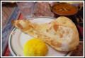 [食べ物]キーバベイガンカレー、ナン、ライスのセット