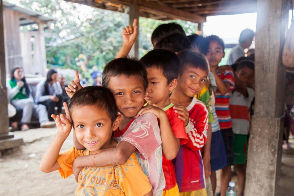 事業地のひとつであるロカブッス村の子ども達 photo by Yuki Nobuoka