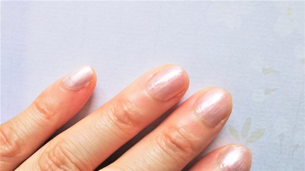 マイメロネイルを塗った爪の画像