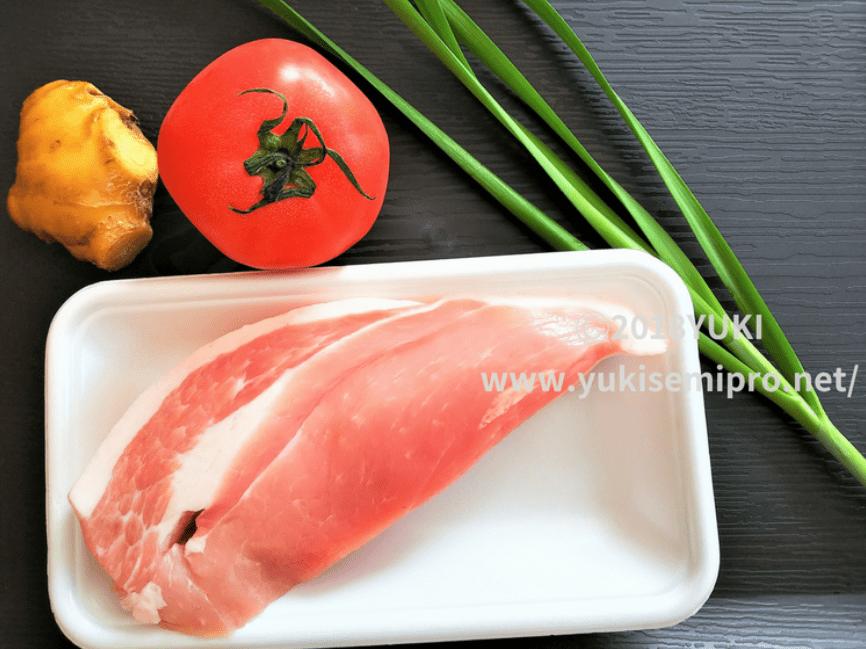 豚ブロック肉とニラとトマトと生姜の画像