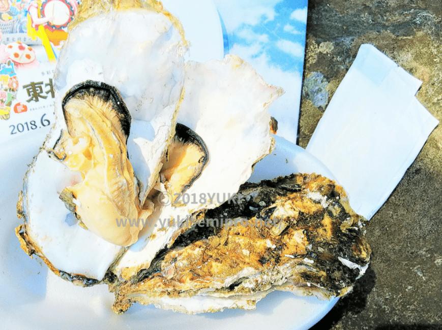 殻付き牡蠣の蒸し焼きの画像