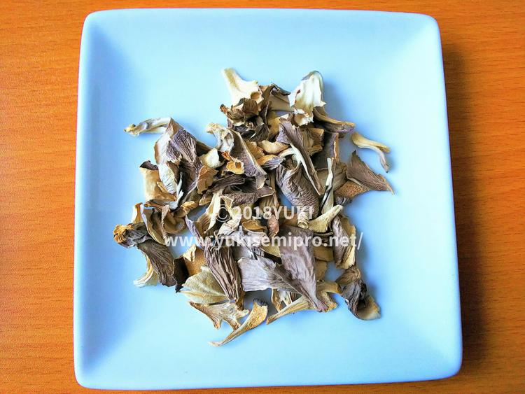 舞茸茶の茶葉の画像