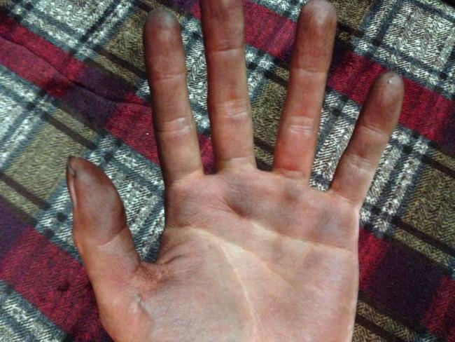 【美容師レビュー】ルプルプは染まるのか、使い方や染め方、素手でルプルプを使うと真っ黒になる