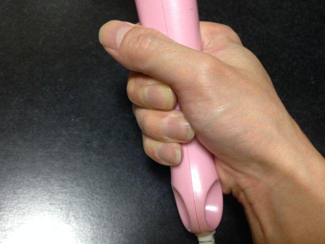 【口コミ&レビュー】持ち手の厚みが少ないので手が小さい方でも持ちやすいです