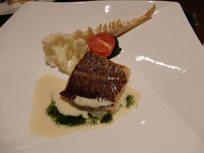 【口コミ&レビュー】ウイルポートの夕食真鯛のポアレクリームソースと菜の花のクーリー