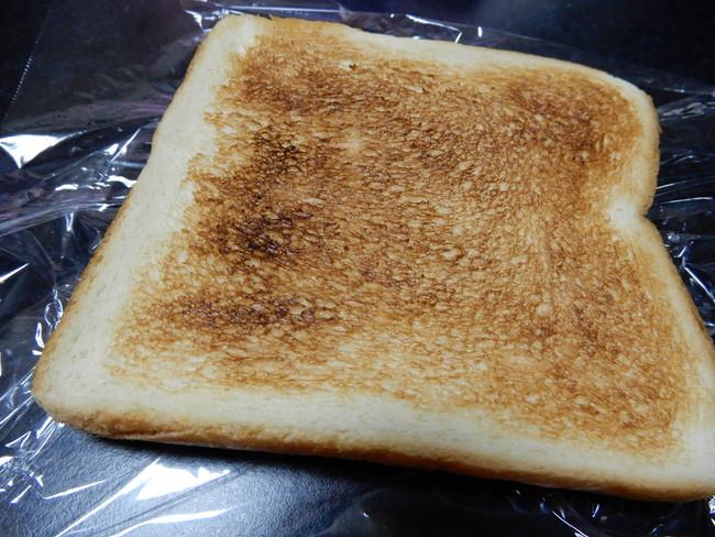アパ社長カレーは本当においしいのかレビュー、2分間チンする間に食パンも焼いちゃいます