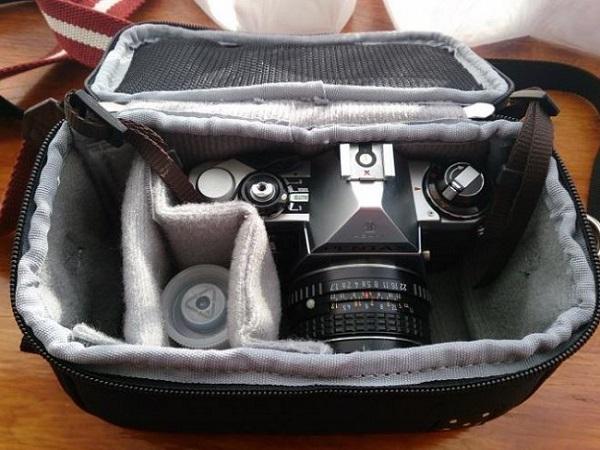 【レビュー】HAKUBA フォティナ キャトル カメラバッグSを使ってみた感想、ミラーレス一眼の写真2