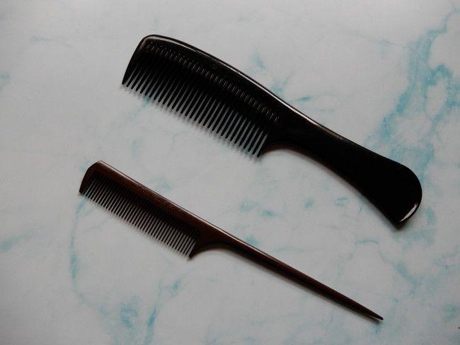 ヘアカラーでしみる・かぶれ・かゆみ・痛い時の5つの対処法3.コームでヘアカラーしよう