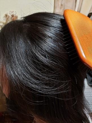 美容師口コミ、髪の毛でブラッシングする時のやりかた