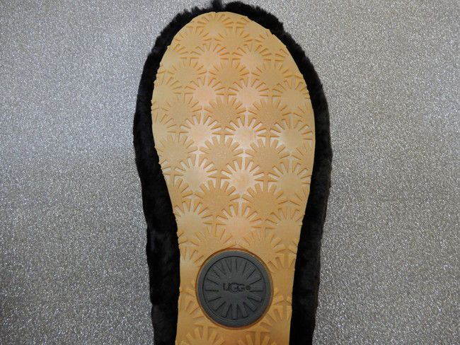 口コミ・レビュー、UGGサンダル フラッフイヤースライドのブラックの靴底