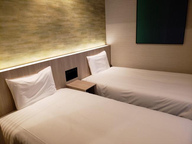 変なホテルのツインルーム、ベッド