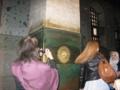 アヤ・ソフィアにて この柱の穴に手を入れると良い事が?