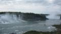 右奥 カナダ滝 左はアメリカ滝 中央はアメリカ側のゴート島