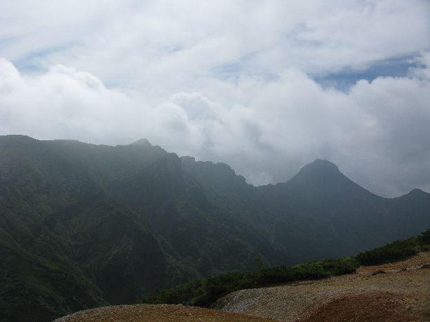 赤岩の頭から 横岳~赤岳 ガスがかかって来てしまった