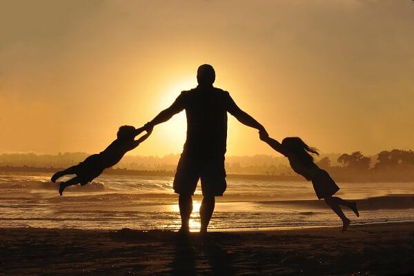 初めてママなしでパパが丸一日子供2人の面倒を見た