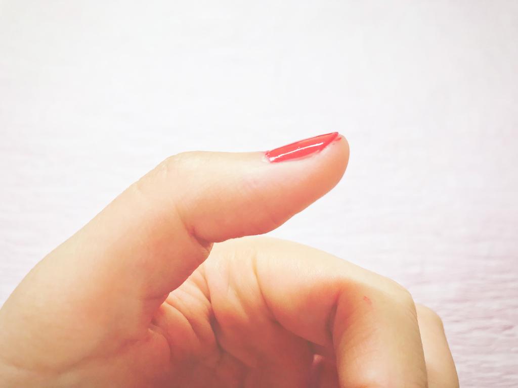 美爪の休日ぷっくり風ツヤタイプディープレッド口コミレビュー