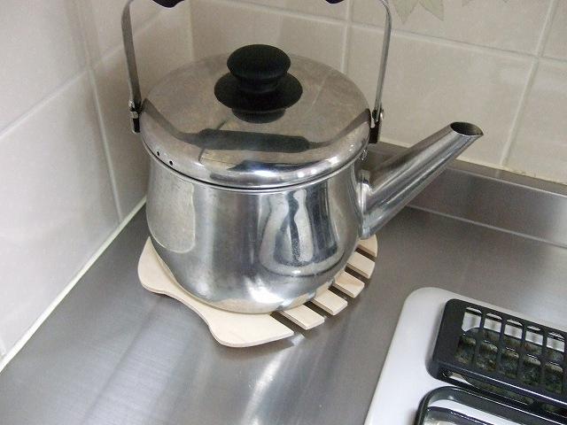 やかんを置いた鍋敷き