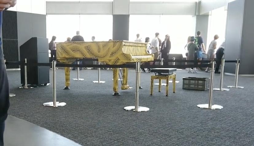 都庁ピアノ