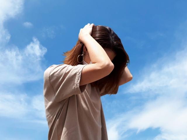 マスクが酸素不足を引き起こして頭痛の原因になる