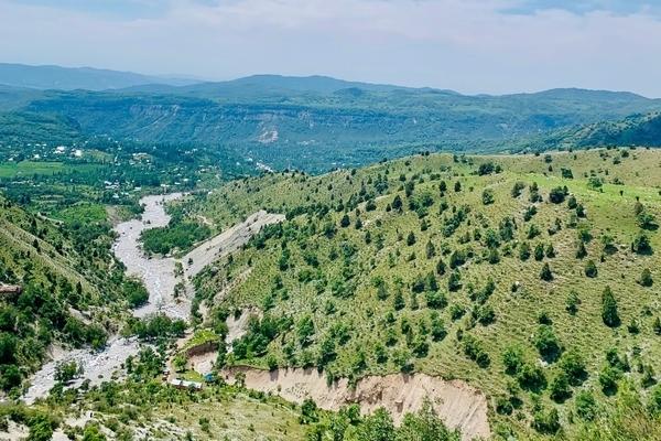 キルギス観光の醍醐味は自然。