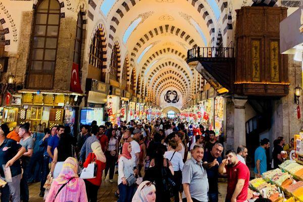 イスタンブール観光のココが面白い③賑やかな市場