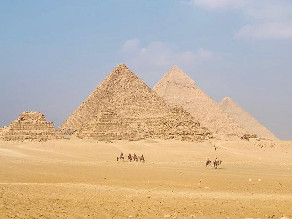 おすすめの古代遺跡:ギザのピラミッド(エジプト)