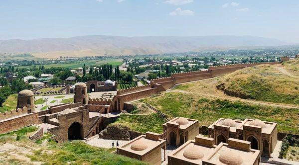 ヒッソール要塞はドゥシャンベ近郊の隠れた観光地