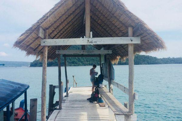 カンボジアの隠れた観光地ロンサレム島。船着場がかわいい