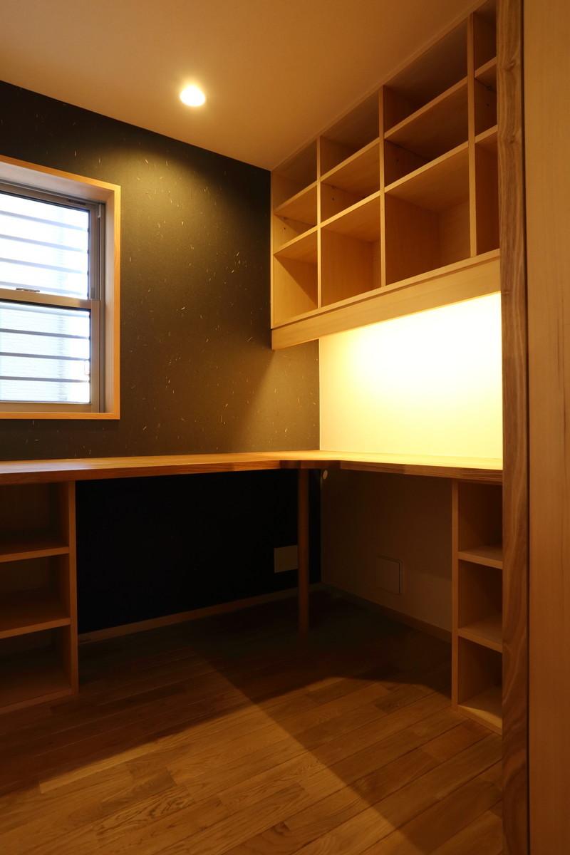 在宅勤務に適した1坪の書斎