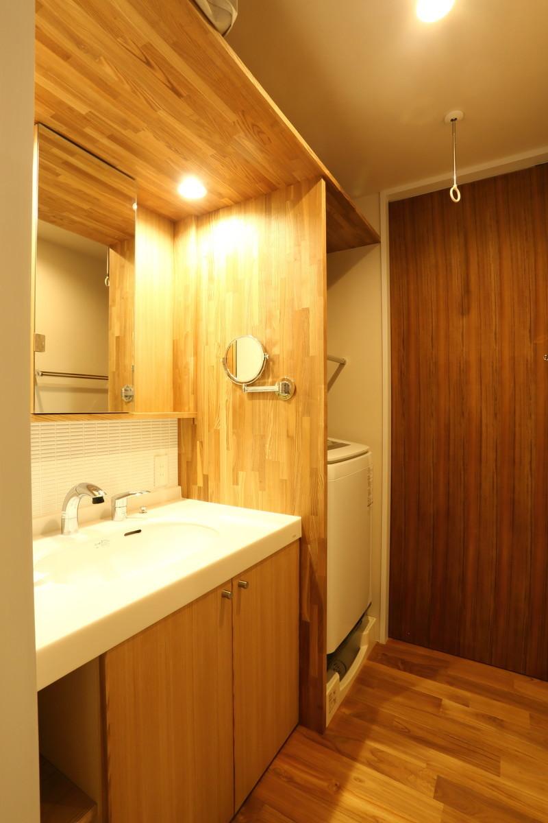 2方向から出入りできる洗面脱衣所