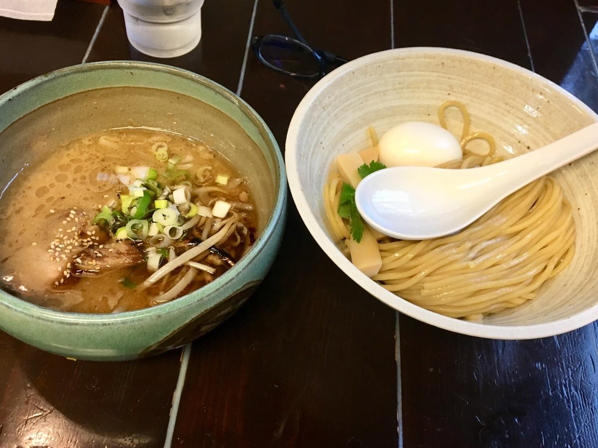 f:id:yusuke-to-yondekudasai:20191120122339j:plain